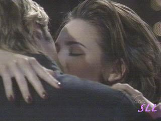 kissing4.jpg